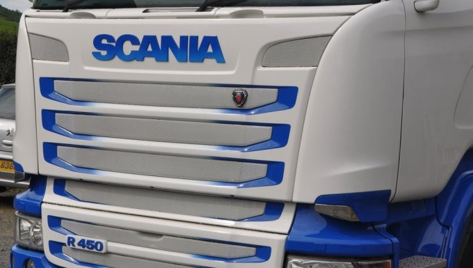 HMG Paints - Rafferty Paint - Scania - Acrythane 4G