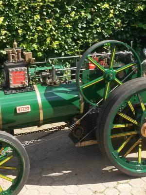 HMG Tractor
